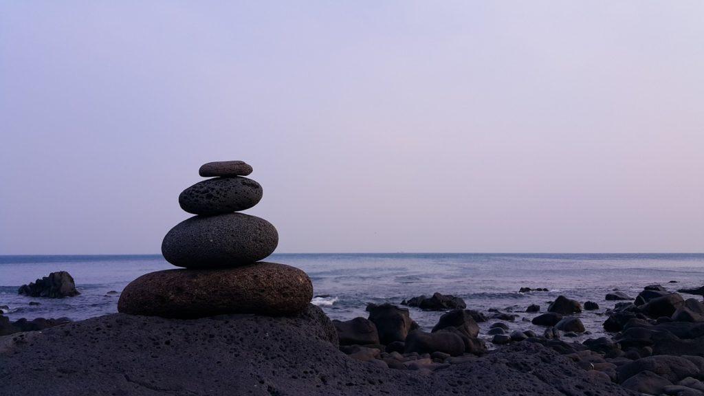 balance-1212186_1280